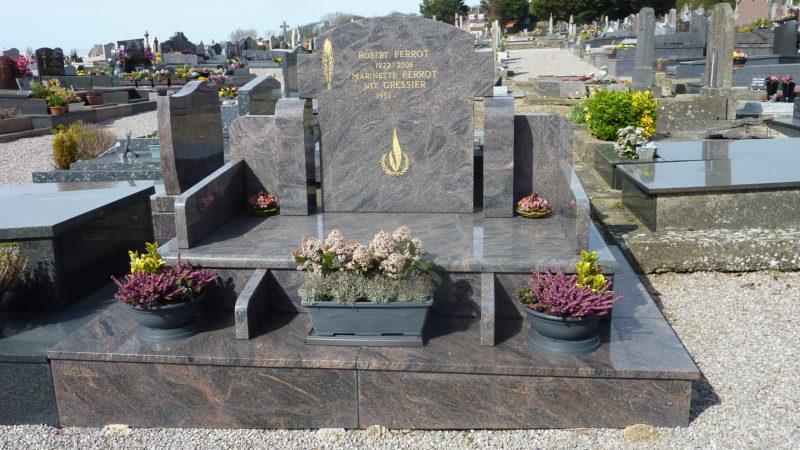 Tombe de Robert Perrot au Cimetière de l'Est de Boulogne sur Mer