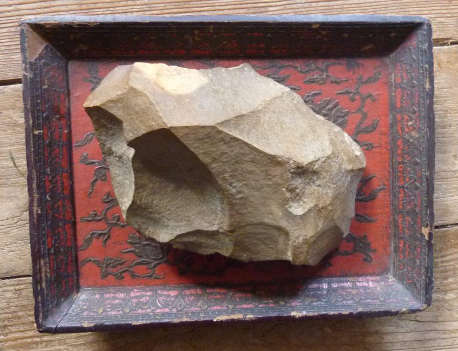 biface en grès route taillé Faux de Verzy Montagne de Reims