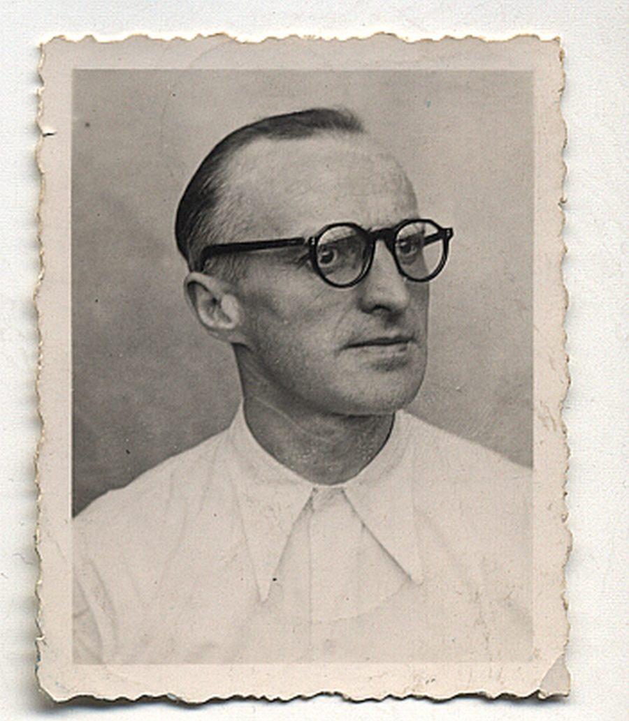 Photo d'identité de Georges Charles en 1943