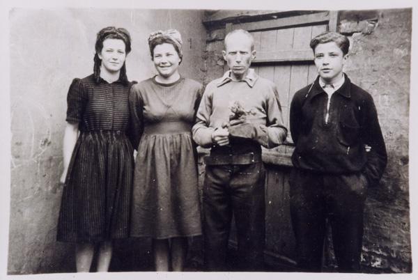 de gauche à droite Geneviève, Monique, Norbert et Gabriel Fillerin